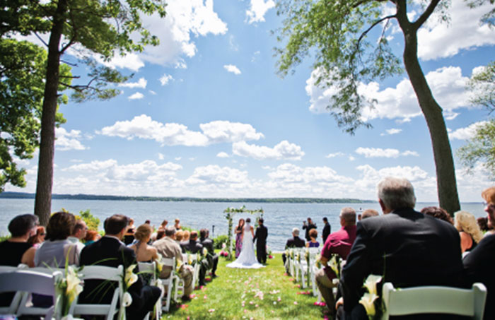 grey rock lawn, outdoor wedding, lakeside wedding, heidel house resort and spa, green lake wi