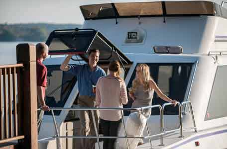 Private tours, Escapade cruises, Action Marina watersport rentals, pontoon rental, green lake wi, heidel house resort & spa