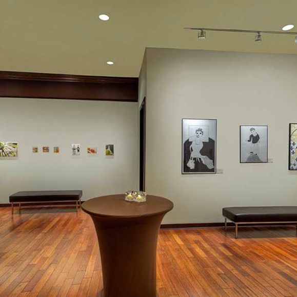 Gallerie M with art on the walls