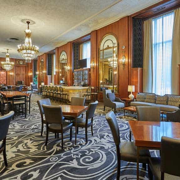 Hilton Milwaukee Monarch Lounge