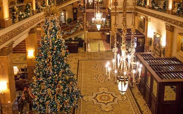 Pfister Christmas Tree Lighting
