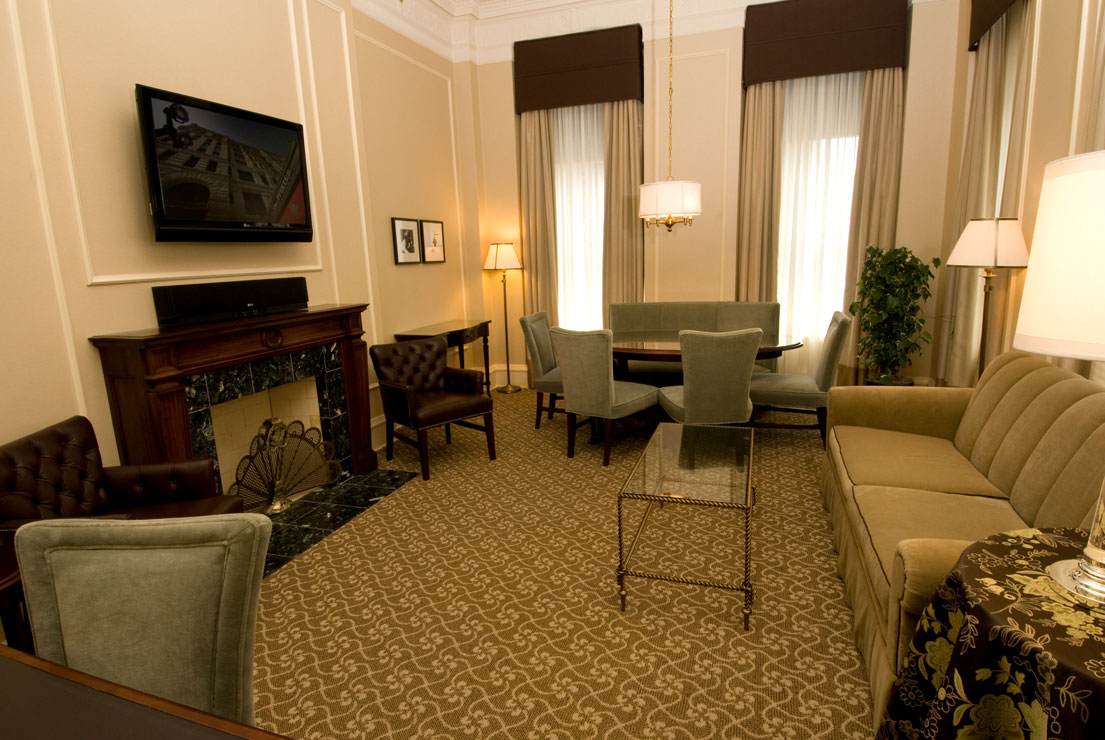 Governors Suite - Parlor