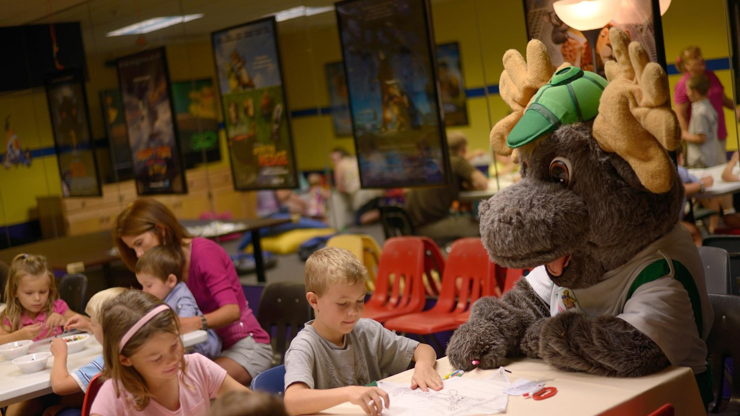 Bruce the Moose helping kids draw pictures
