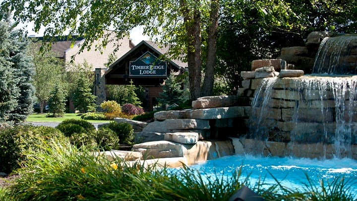 Looking through the foutain at the front entry of Timber Ridge Resort & Waterpark