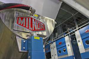 Milnor tunnel washer